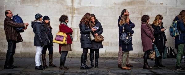 people-waiting-in-line-600x245.jpg